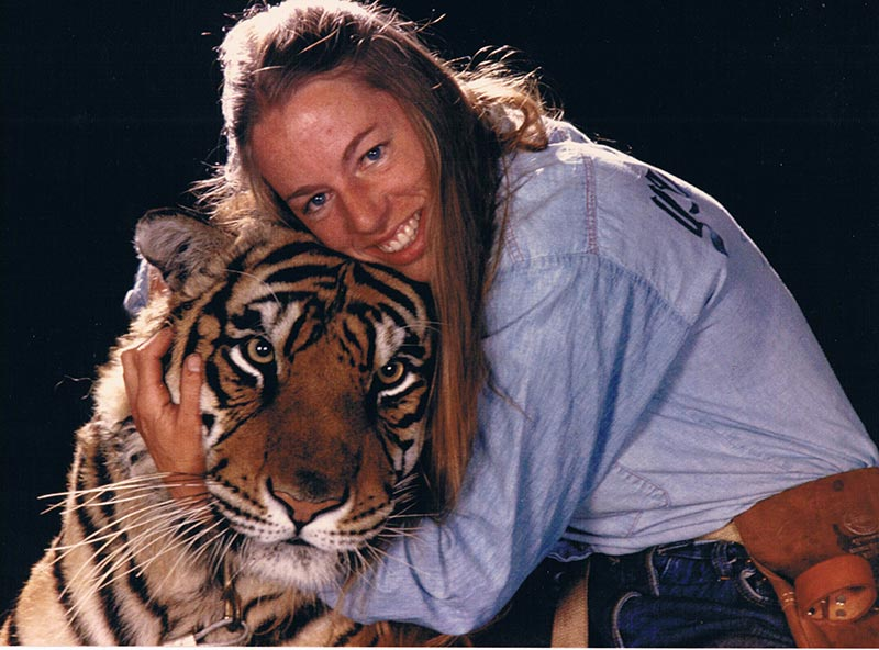 Anne and her tiger Sultan